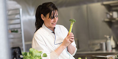 amanda cohen, dirt candy owner and 2017 NAIT hokanson chef in residence