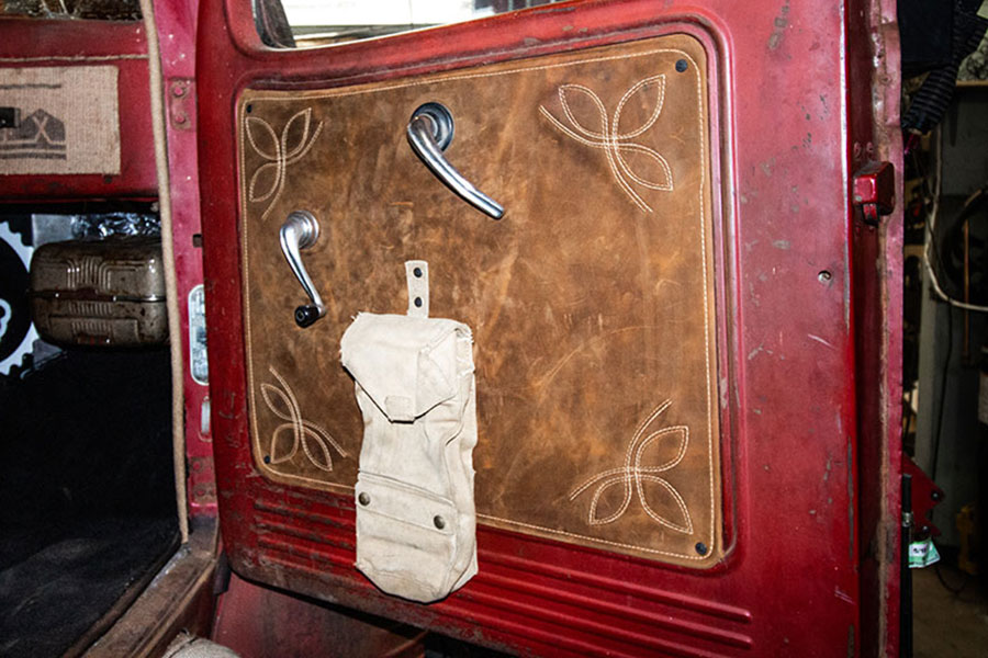 rat rods by matteo medoro, 1947 dodge, door interior